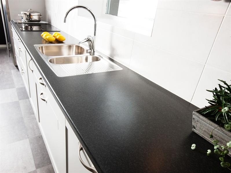 Litet Kok Fran Ikea : laminat black brazil 6216d b?nkskiva lg laminat ...